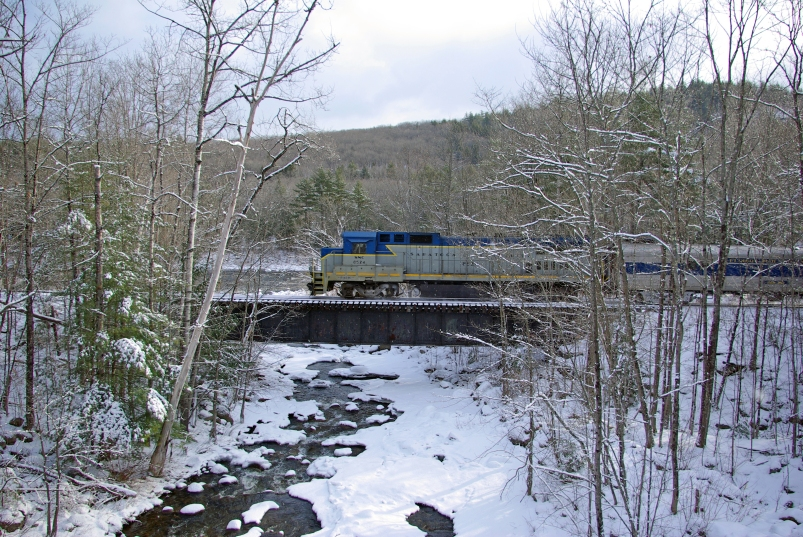 S&NC 8524 on The Glen bridge in Snow - Feb 25, 2012