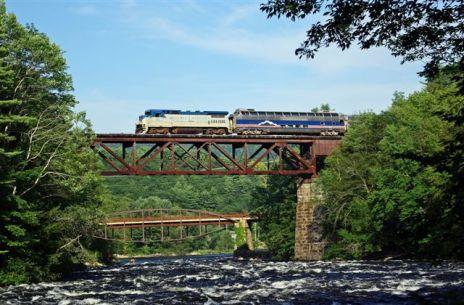 S&NC at Hadley - Luzerne Hi-Bridge Photo: Greg Klingler